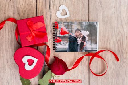 Miễn phí file PSD Mockup lễ tình yêu đẹp mới nhất 2019