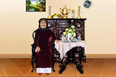 Tải miễn phí PSD cụ bà ngồi bàn trà cho phục chế, ảnh thờ, mừng thọ